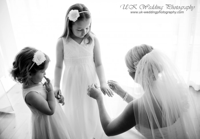 UK Wedding Photography - 3019_05122ab3f4d4b1.jpg